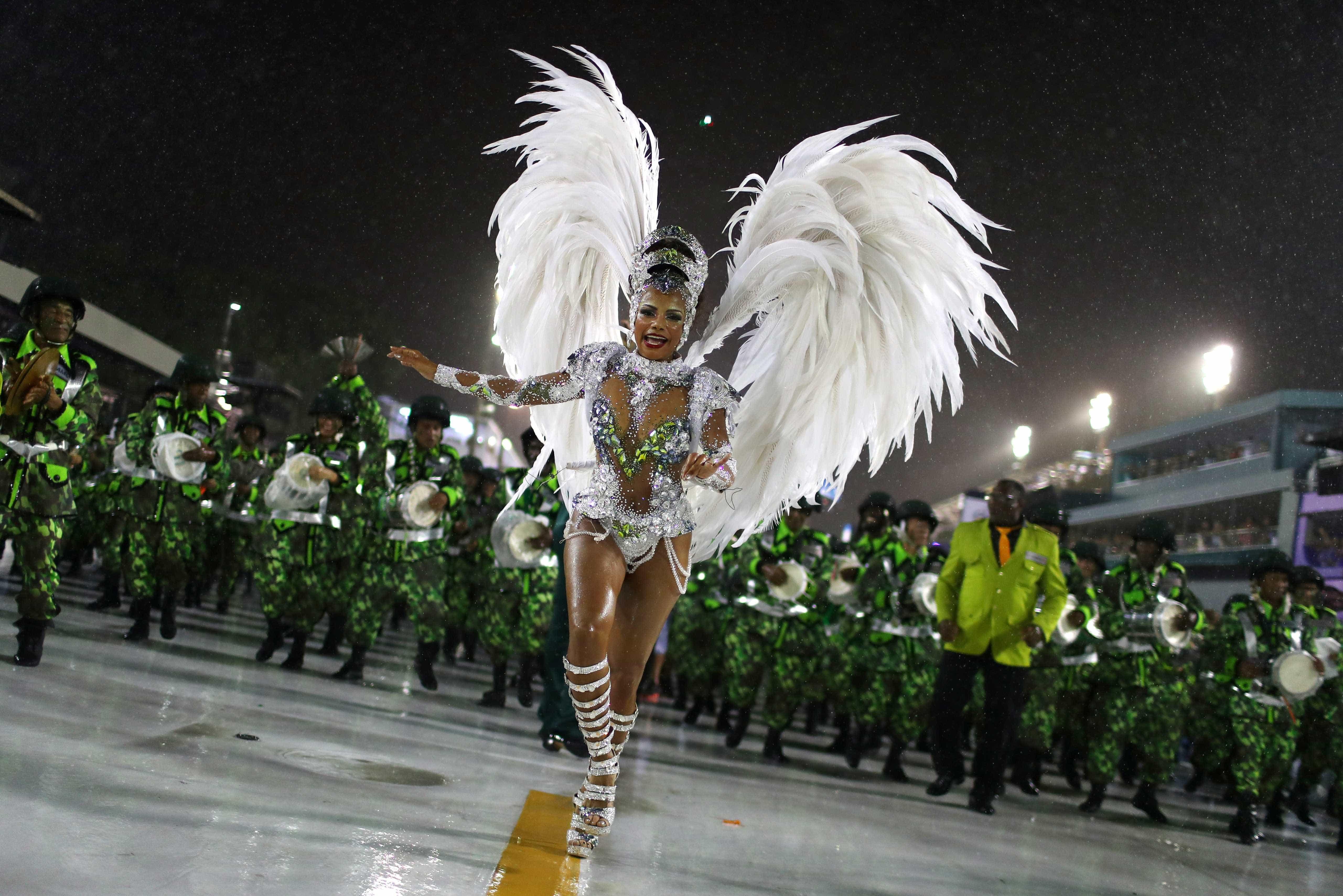 Não há Carnaval como o do Rio de Janeiro. E este ano é assim