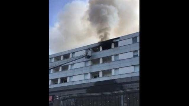 Incêndio deflagra em apartamento em Coimbra. Há uma pessoa ferida