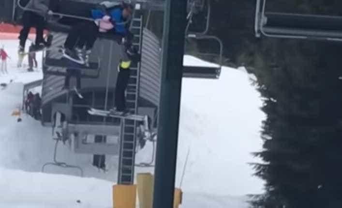 Jovens socorrem rapaz que estava a cair de teleférico em pista de esqui
