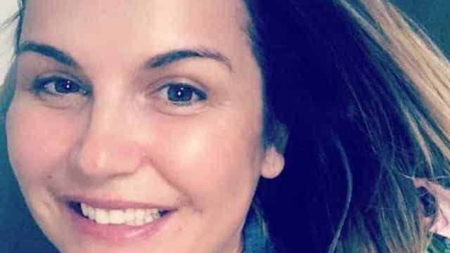 Grávida pela terceira vez, Katia Aveiro prepara enxoval