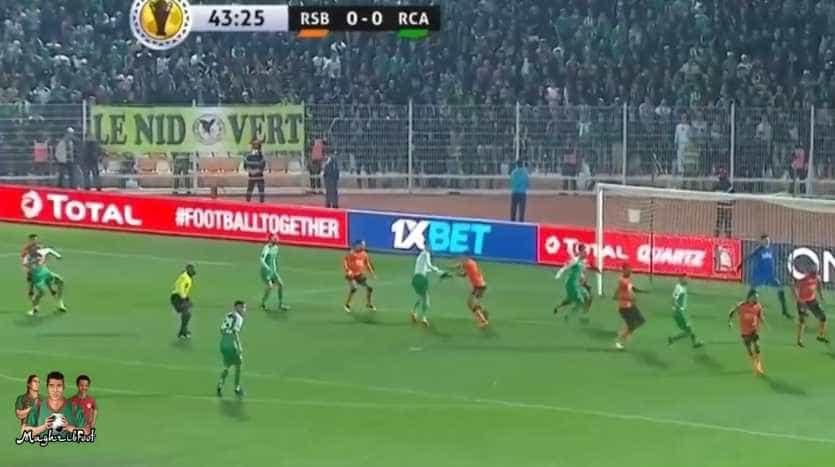 Aconteceu em Marrocos: Despiu adversário... e árbitro não marcou penálti