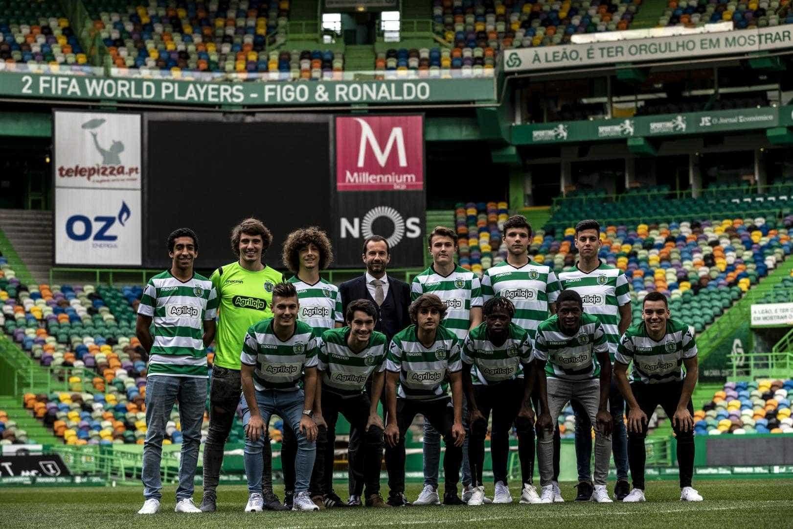 "Sporting assina contrato profissional com ""12 grandes promessas"""
