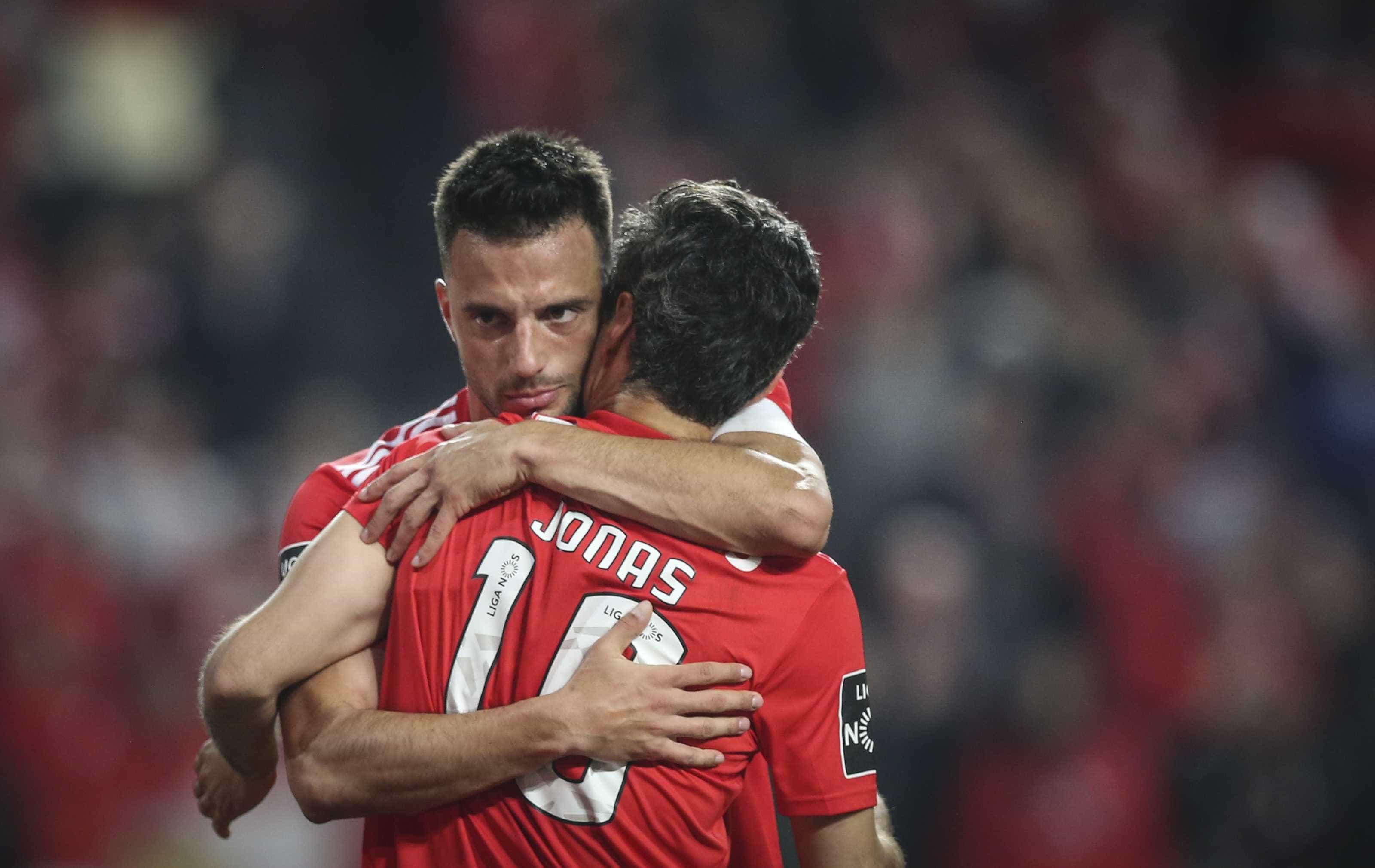 """Samaris: """"Metade da minha vida futebolística foi passada no Benfica"""""""