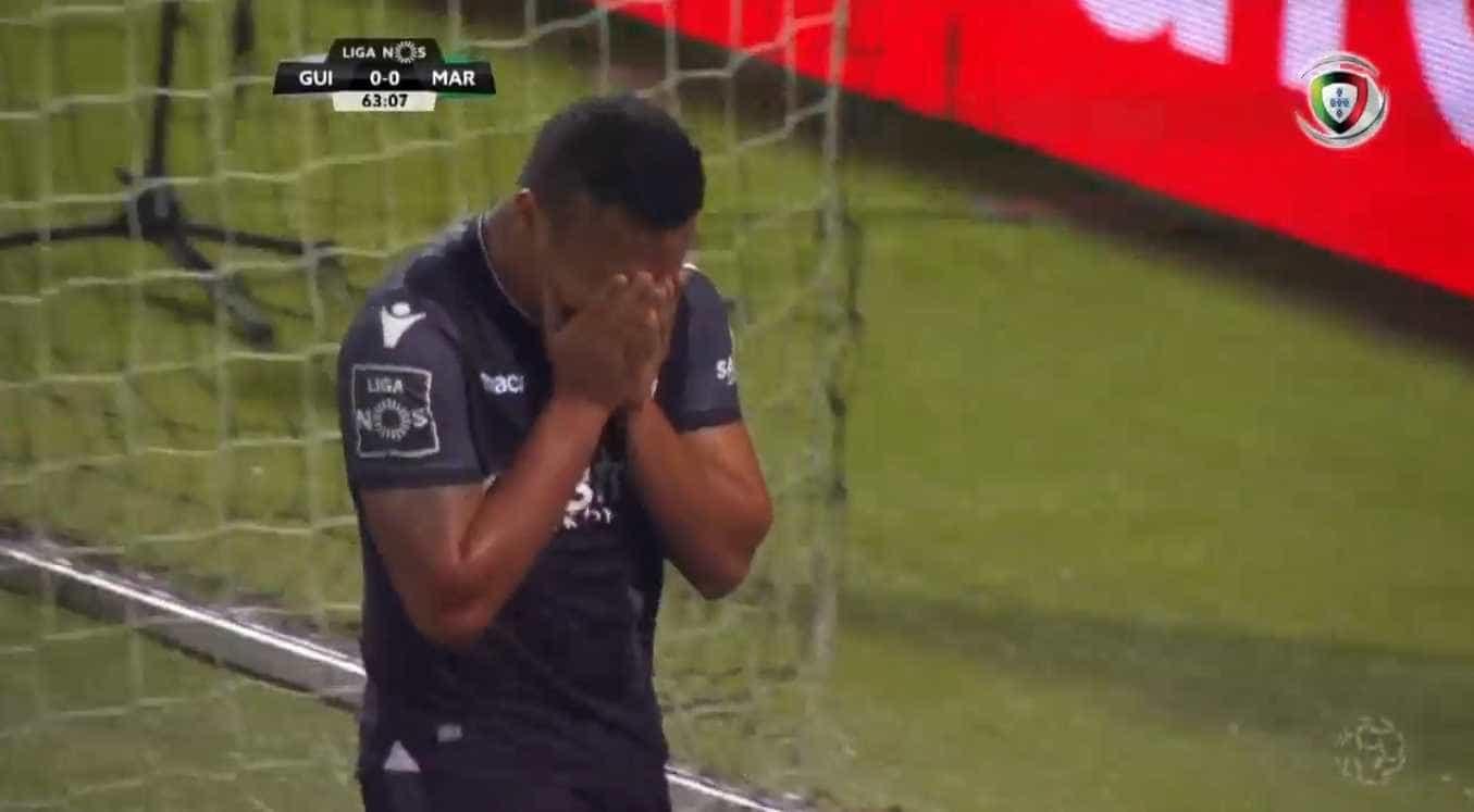 Welthon marca pelo Vitória e desfaz-se em lágrimas