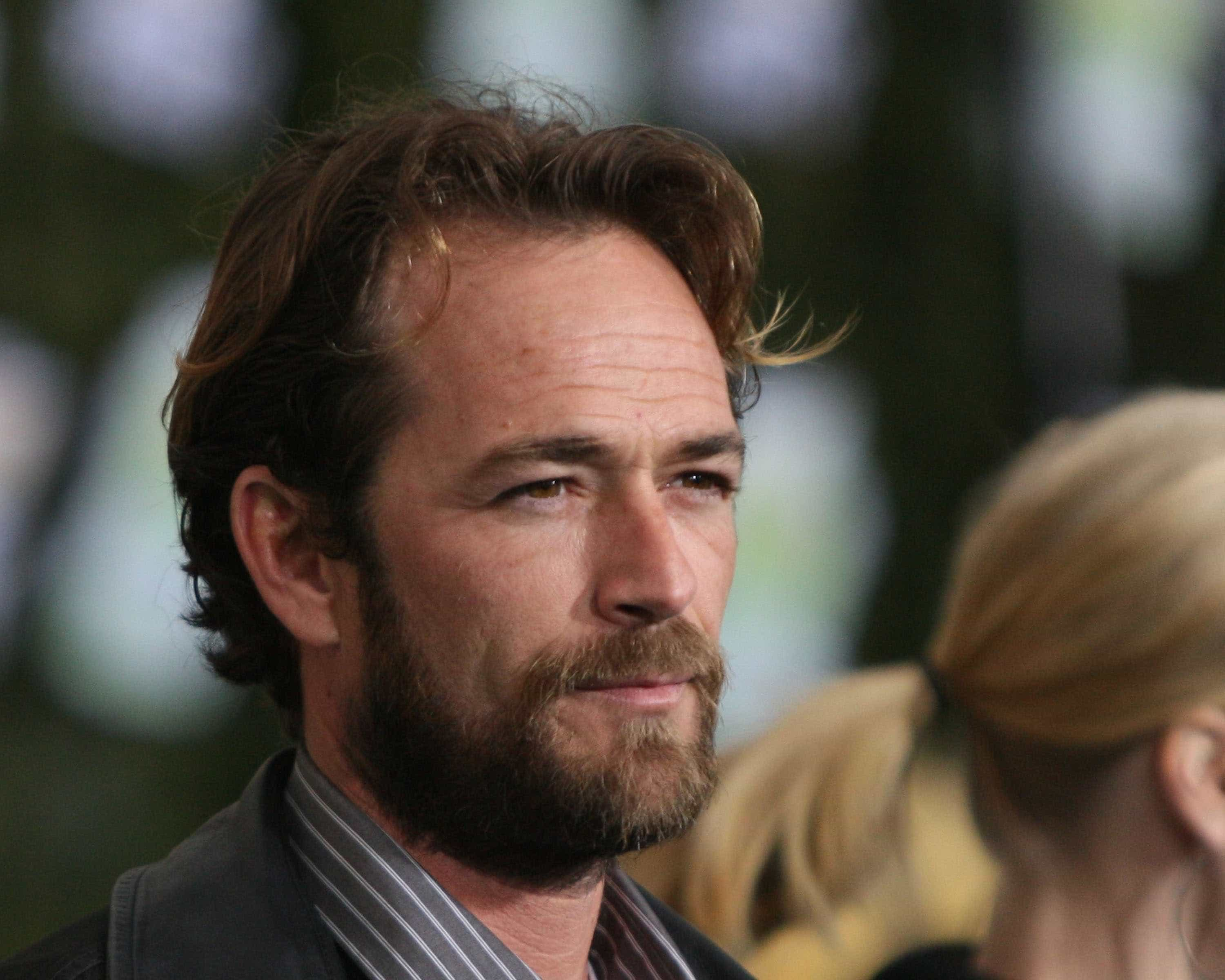 Luke Perry: Revelada causa da morte do ator de 'Febre em Beverly Hills'