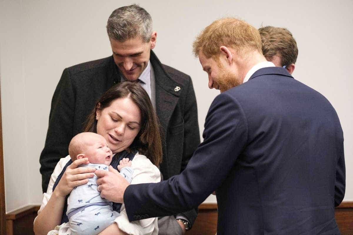 """""""O próximo vais ser tu"""": A reação de Harry ao ver bebé"""