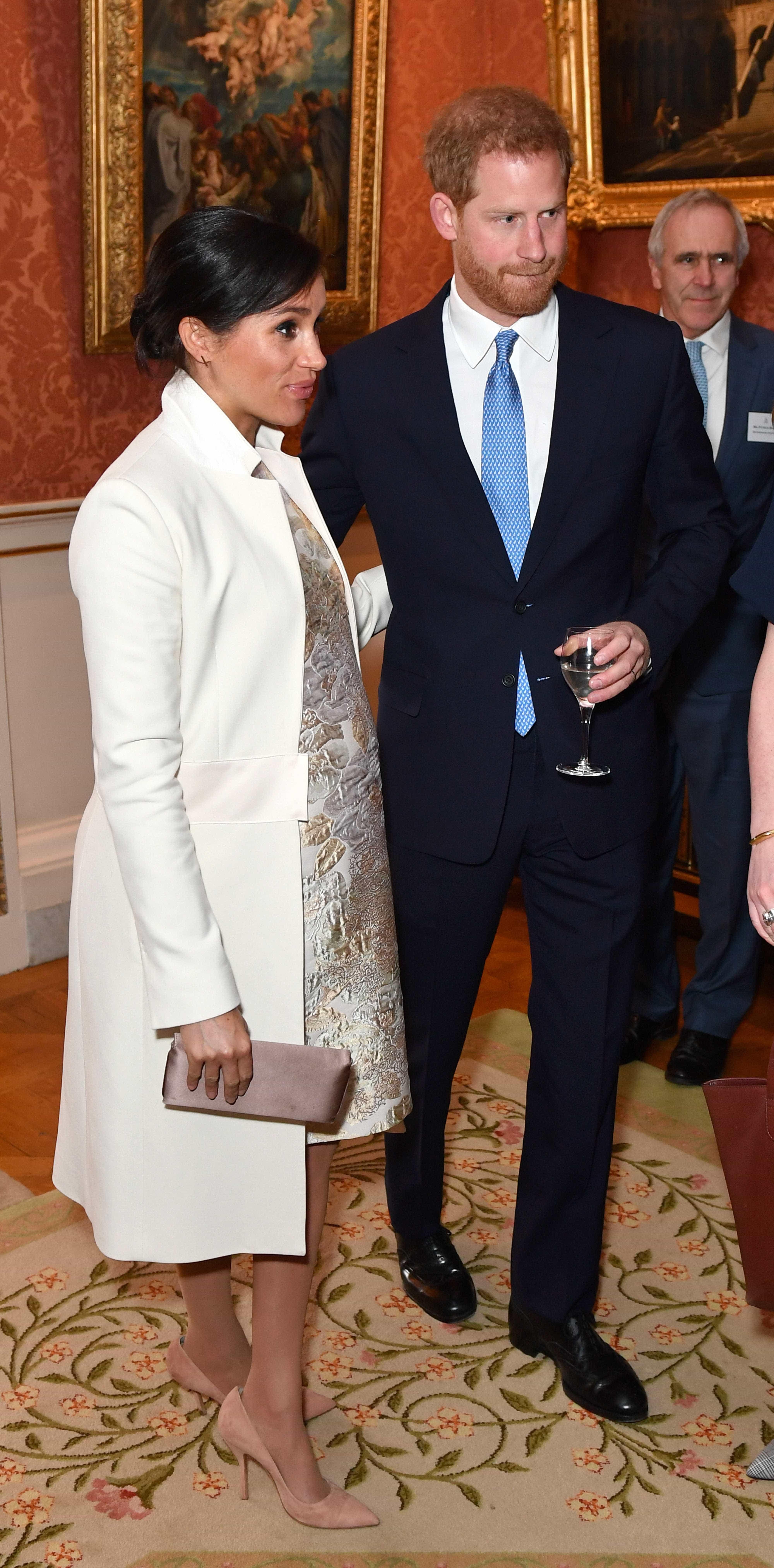 Kate Middleton e Meghan Markle brilham em festa organizada pela rainha