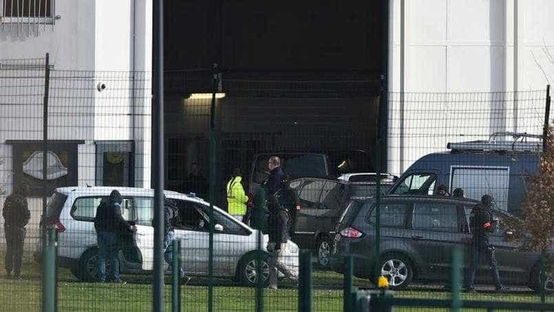 Ataque em prisão: Namorada de recluso morreu após intervenção policial