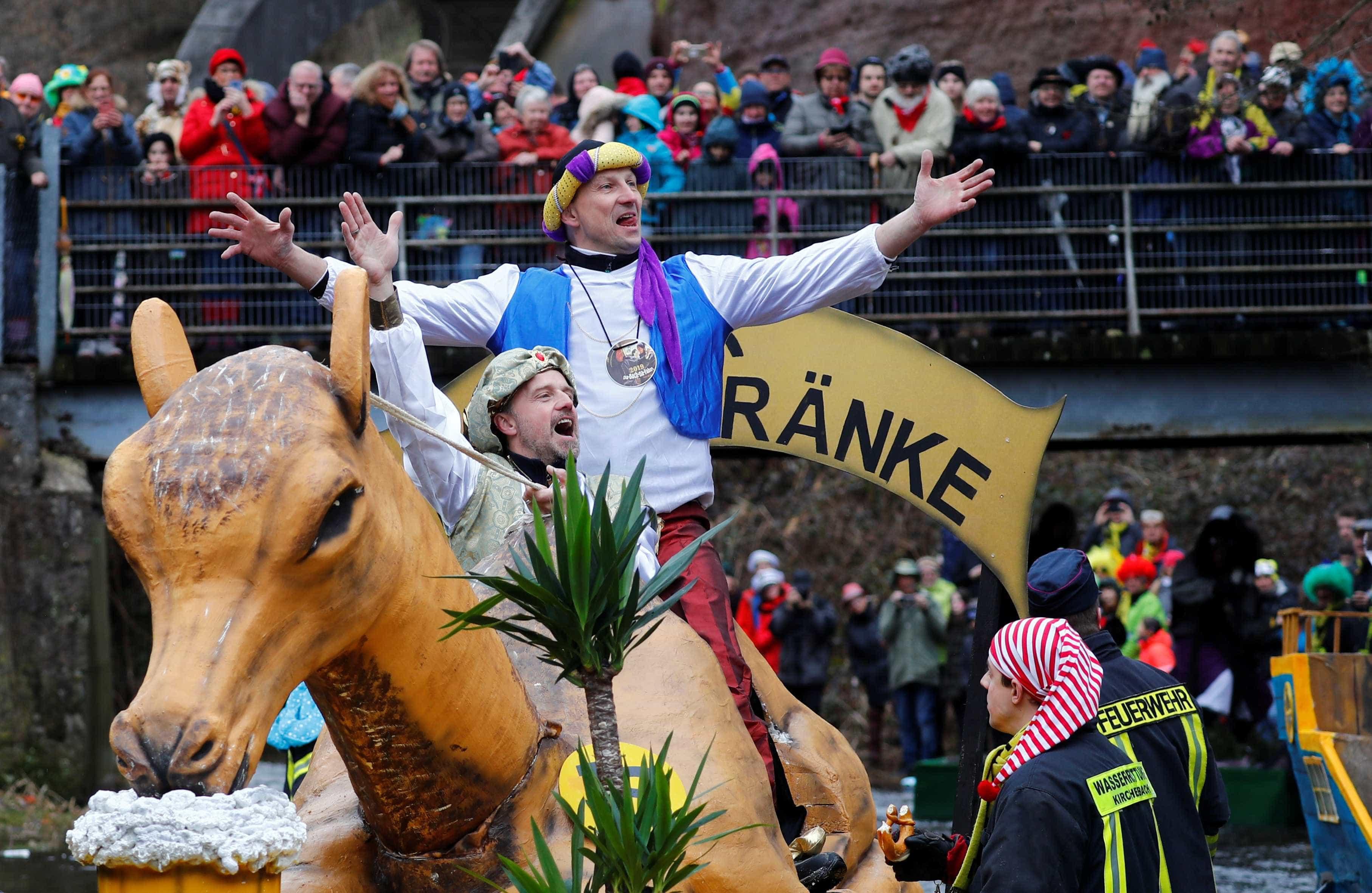 Na Alemanha há um Carnaval semelhante a tantos outros, mas na água