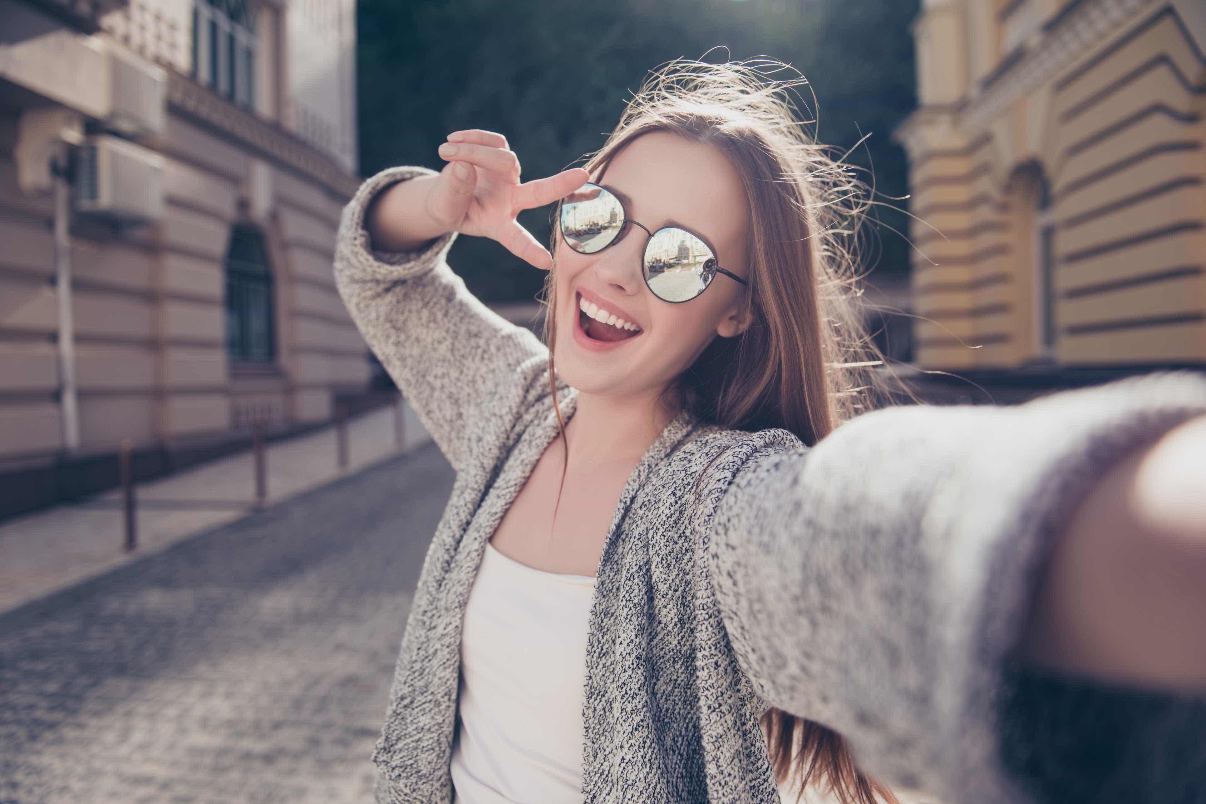 Em viagem sozinhas: O guia para mulheres viajantes e aventureiras