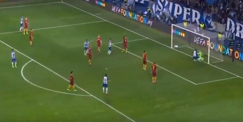 Corona assiste Marega e o FC Porto volta para a frente do marcador