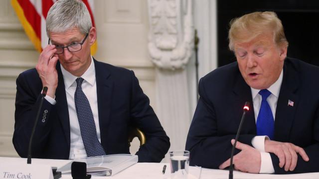 """Tim Apple"". Trump enganou-se no nome do CEO da Apple"