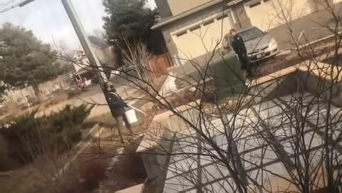 Polícia investigada por ameaçar homem que tirava lixo da sua propriedade