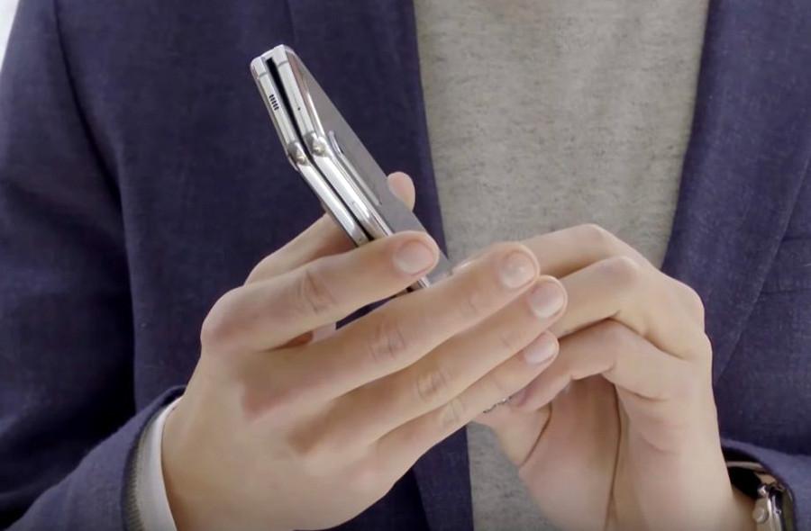 Depois de críticas, Samsung defende design de smartphone dobrável