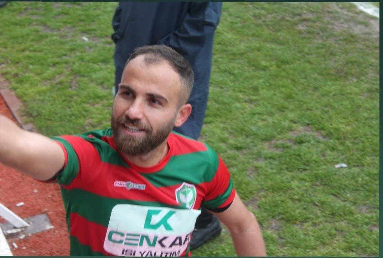 Lembra-se do jogador turco que andou a cortar os rivais? Foi banido