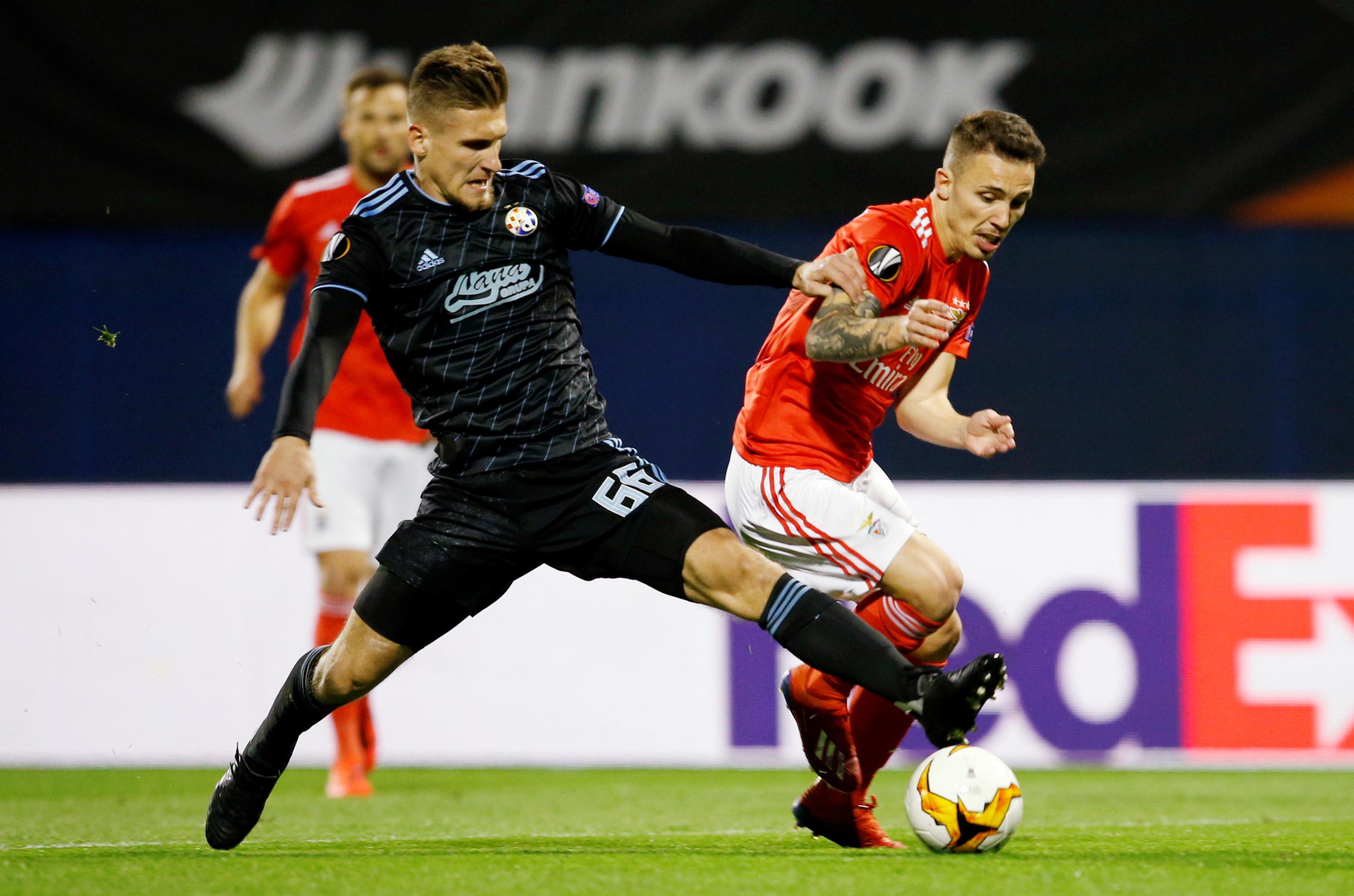 [1-0] Dínamo-Benfica: Lage mexe no meio e põe fichas no ataque