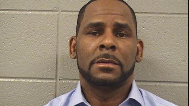 R. Kelly: Vídeo suspeito de homem a abusar raparigas entregue à polícia