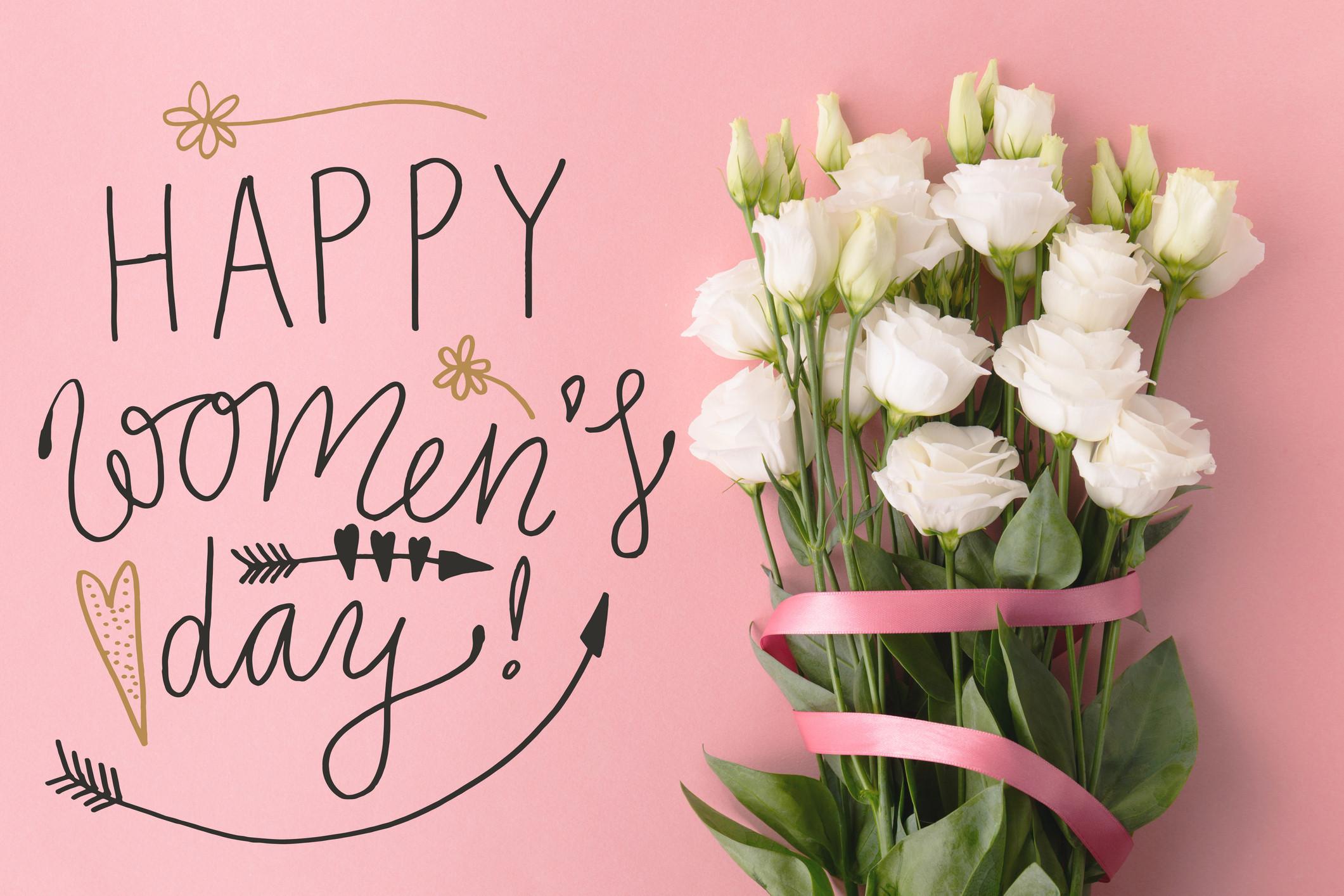 Este Centro Comercial 'veste-se' de rosa para assinalar o Dia da Mulher