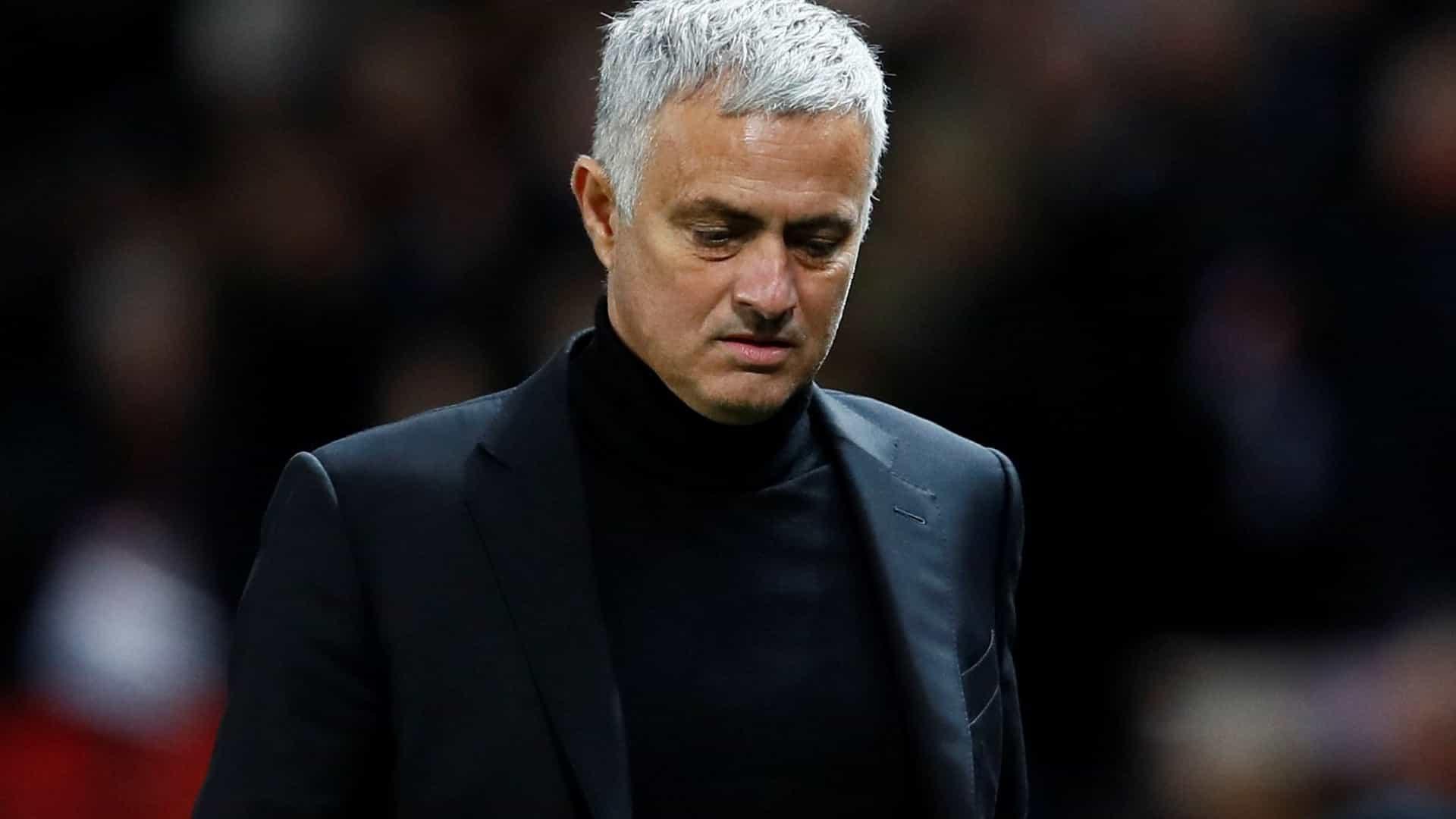 José Mourinho é 'apanhado' na praia com uma mulher (e não era a esposa)