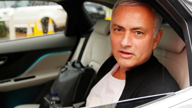 """""""Balneário do Real Madrid não quer Mourinho e Ramos talvez vá embora"""""""