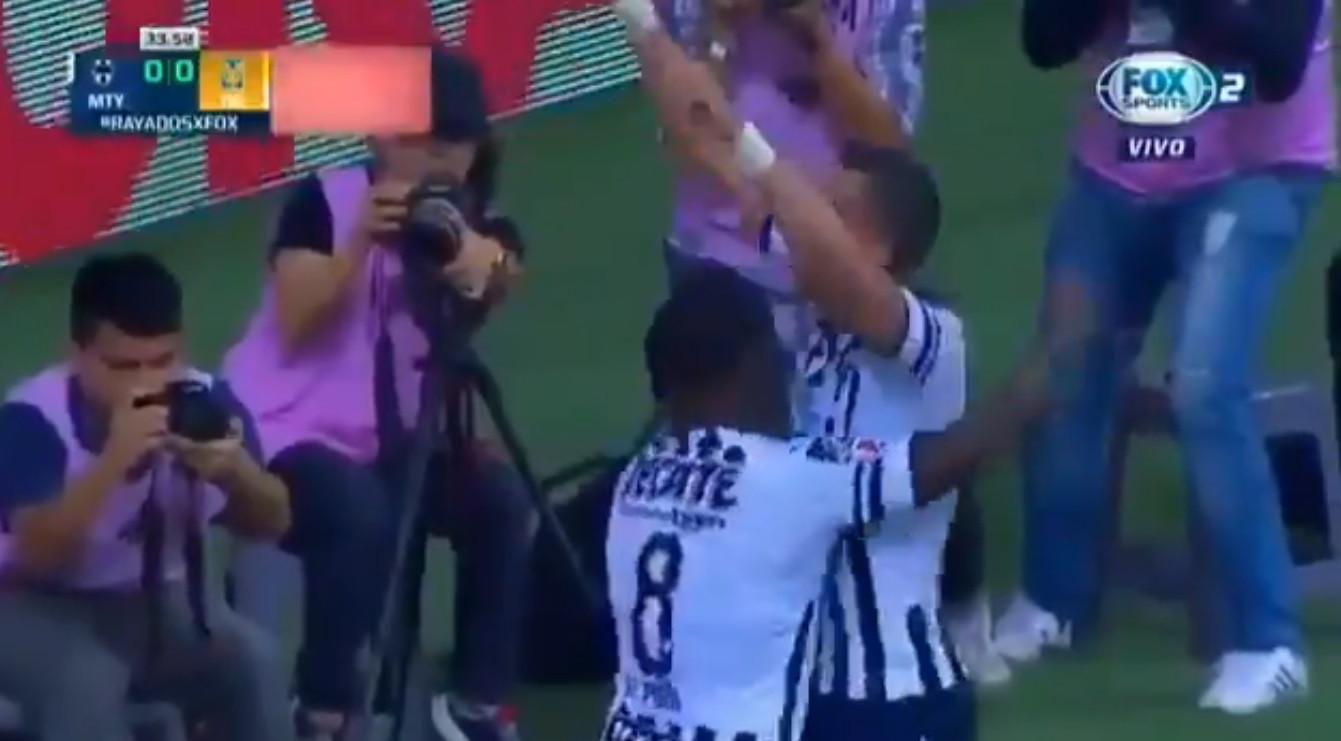 Ex-Benfica Funes Mori marca golaço de calcanhar no México