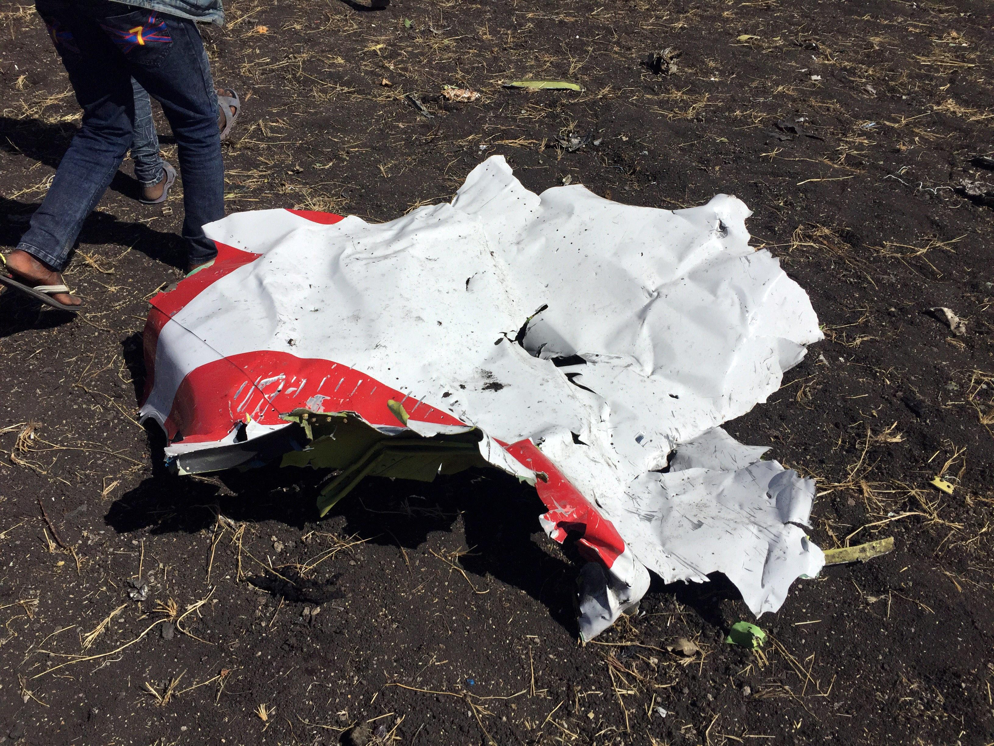Ethiopian Airlines mostra imagens do local da tragédia