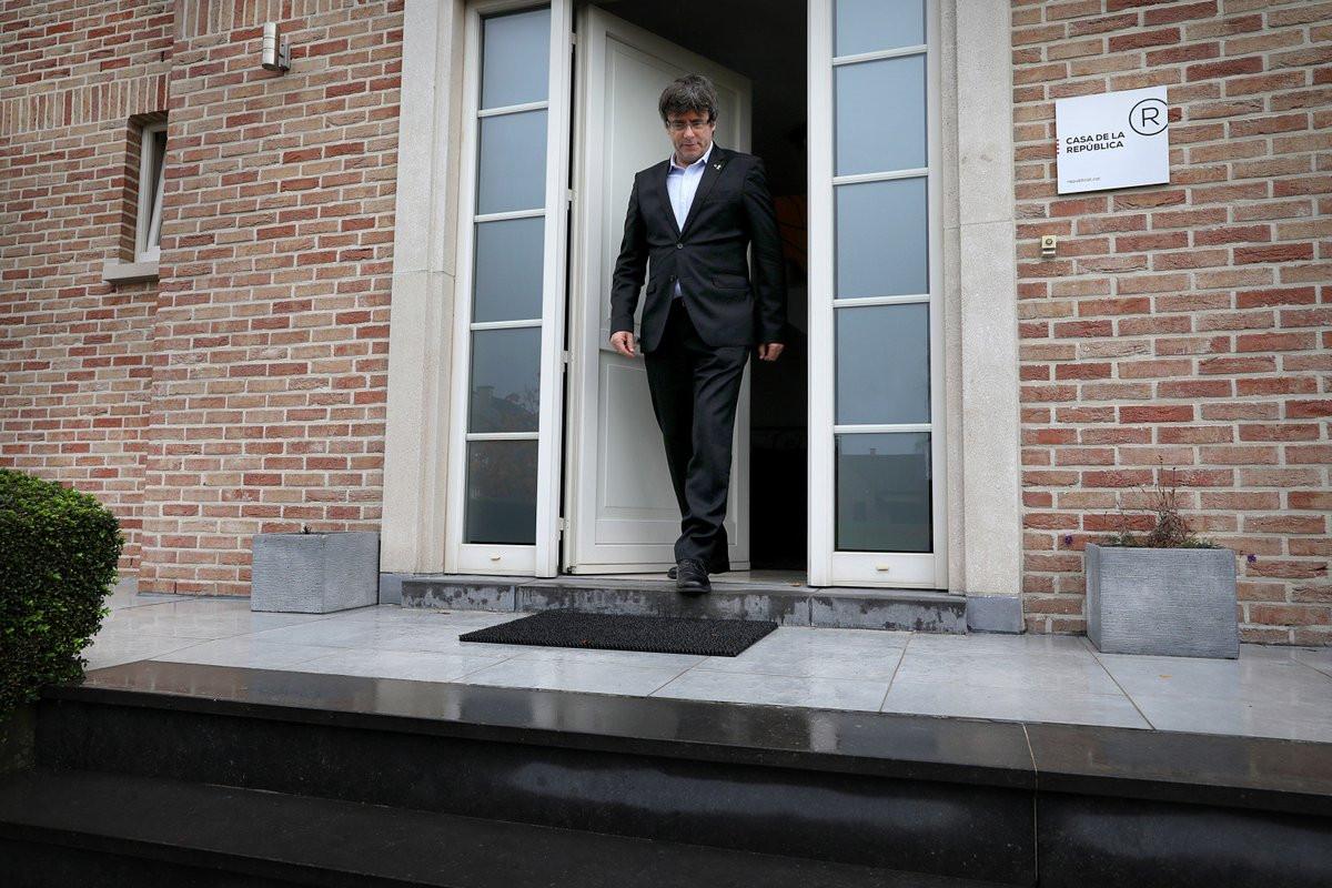 Carles Puigdemont anuncia candidatura às eleições europeias