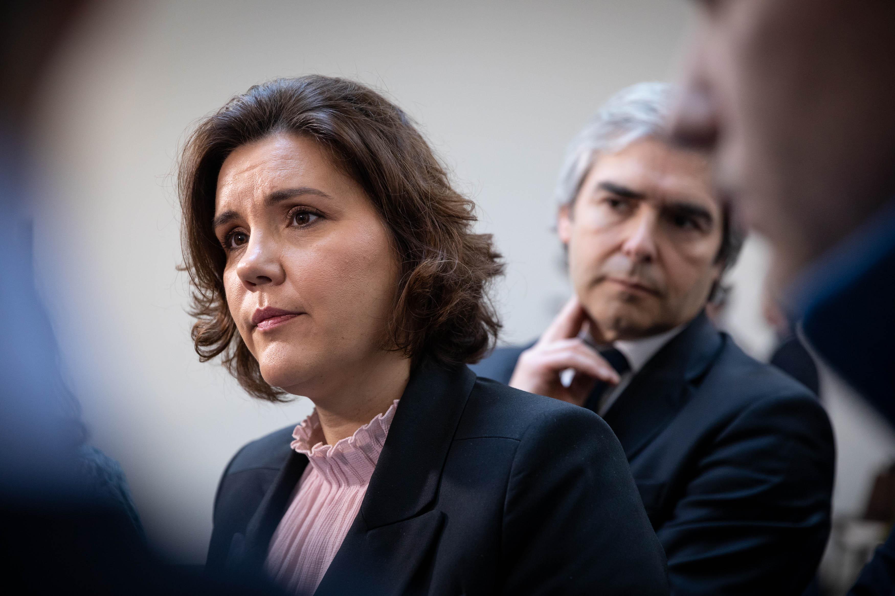 """Cristas diz que """"voto no CDS serve para derrubar António Costa"""""""