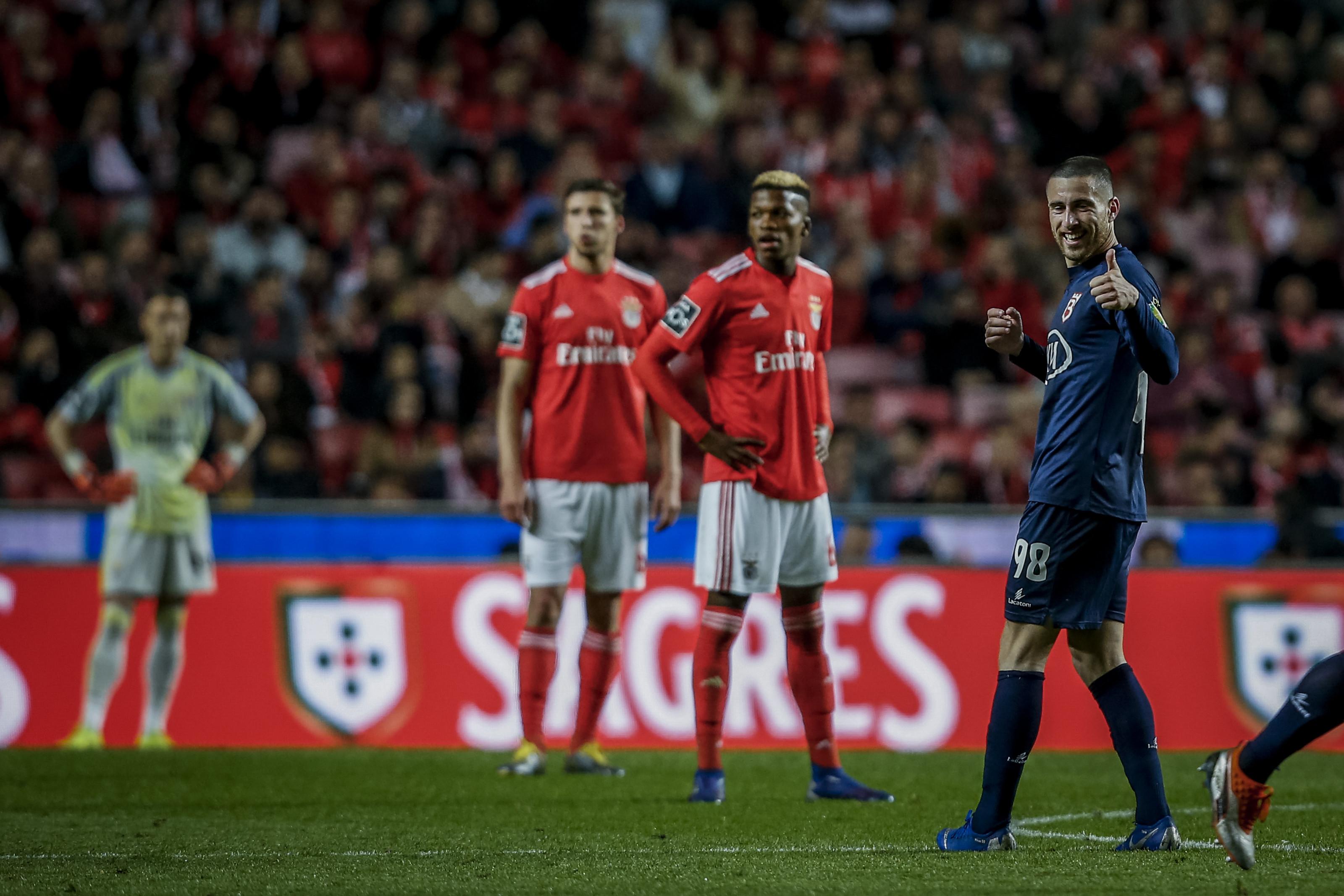 Belenenses SAD surpreende na Luz e Benfica é apanhado na liderança
