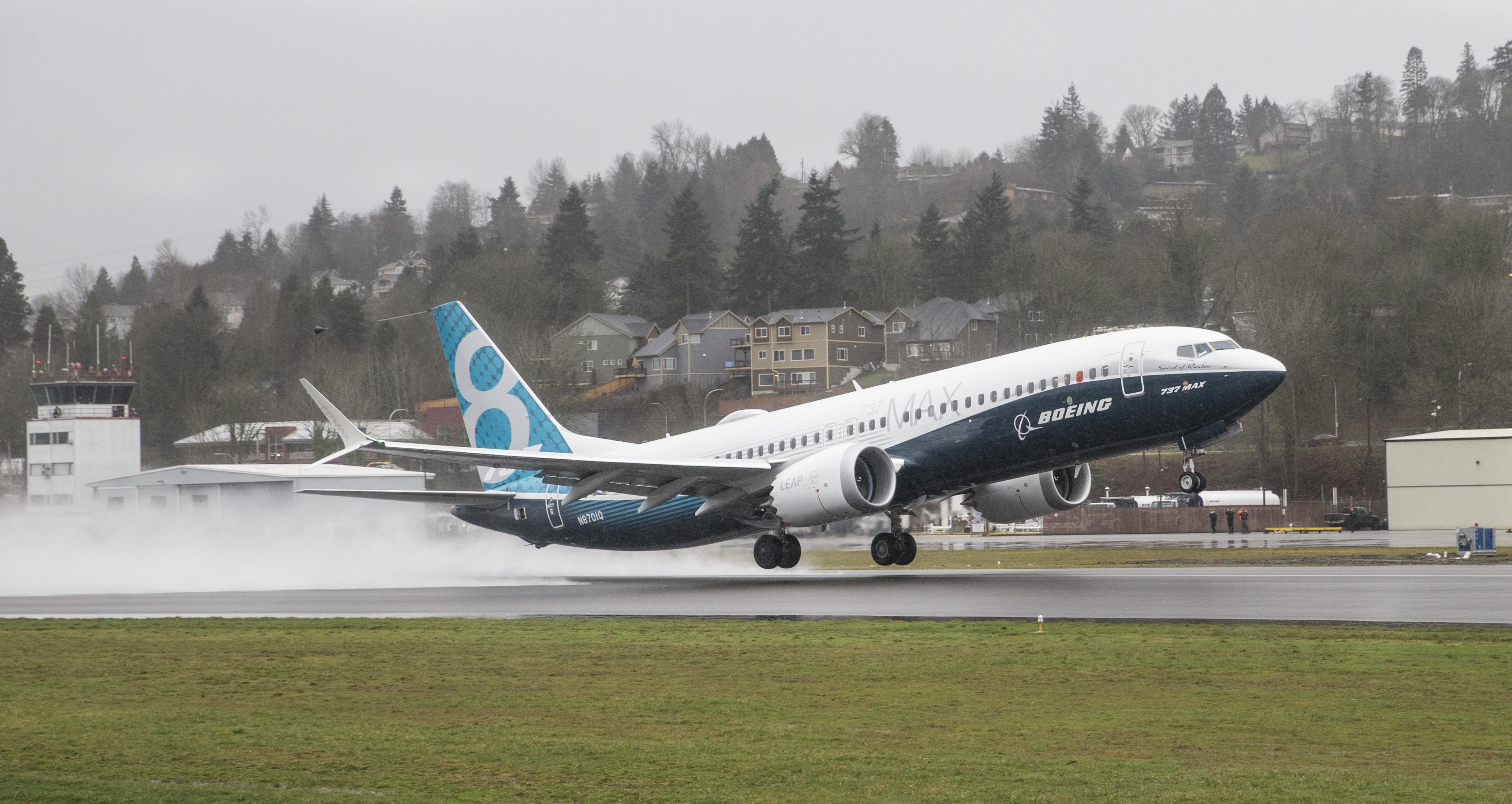 EUA obrigam Boeing a fazer modificações ao modelo de avião que caiu