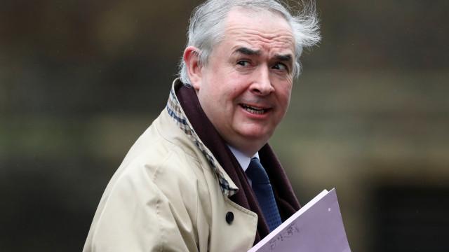 Procurador-geral do governo britânico dá golpe em 'novo' acordo de May
