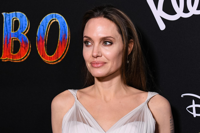 """Atriz diz que detestou conhecer Angelina Jolie: """"Ela foi horrível"""""""