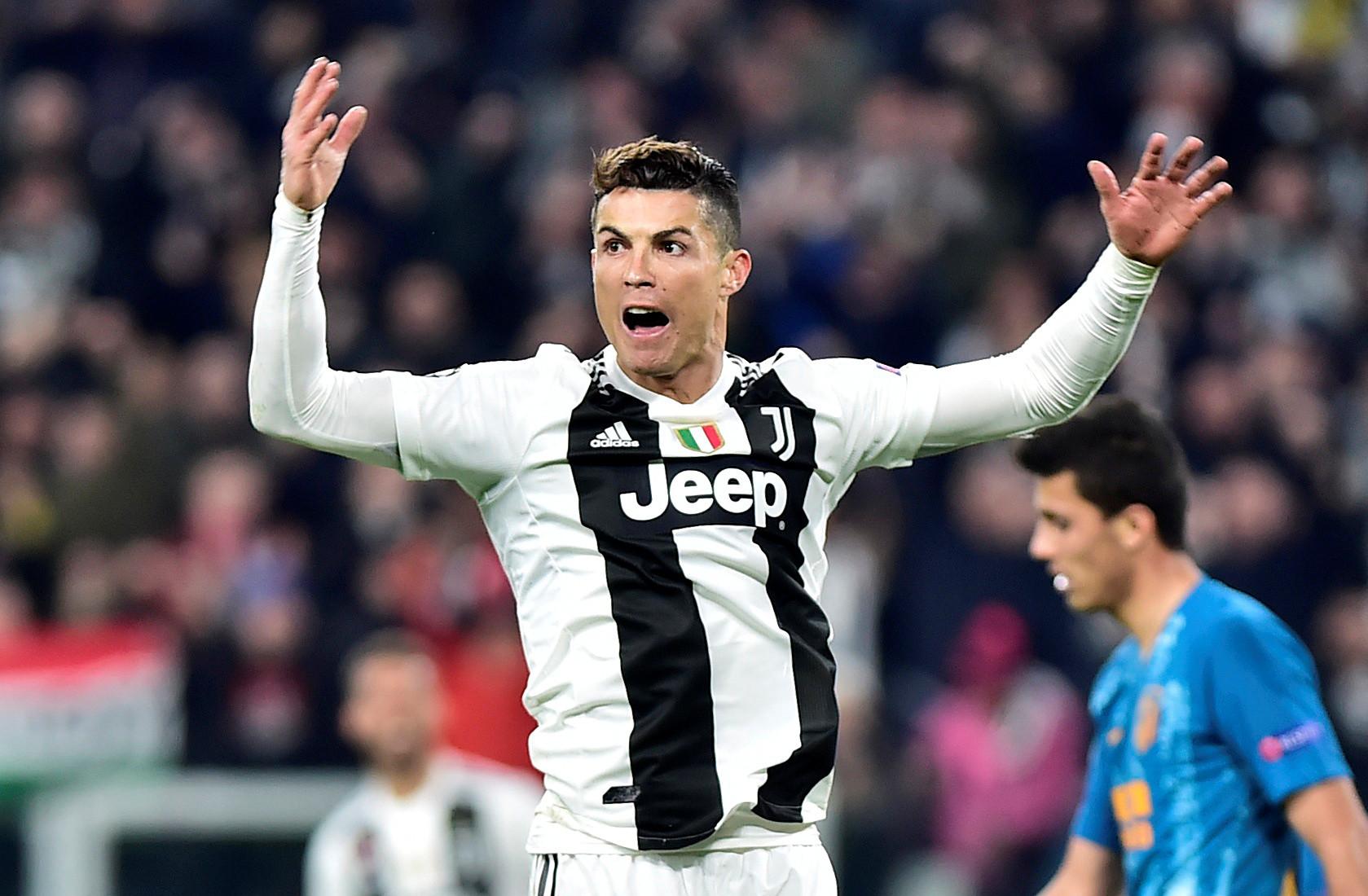 Ronaldo é o 1.º de sempre a atingir os 125 golos em competições na UEFA
