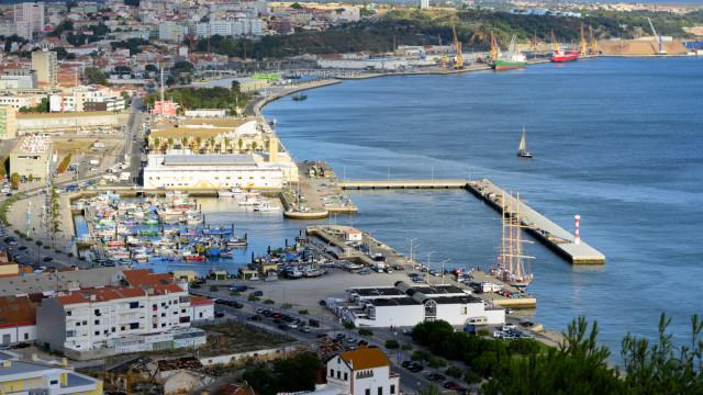 Aprovado diplomas da descentralização de freguesias e portos