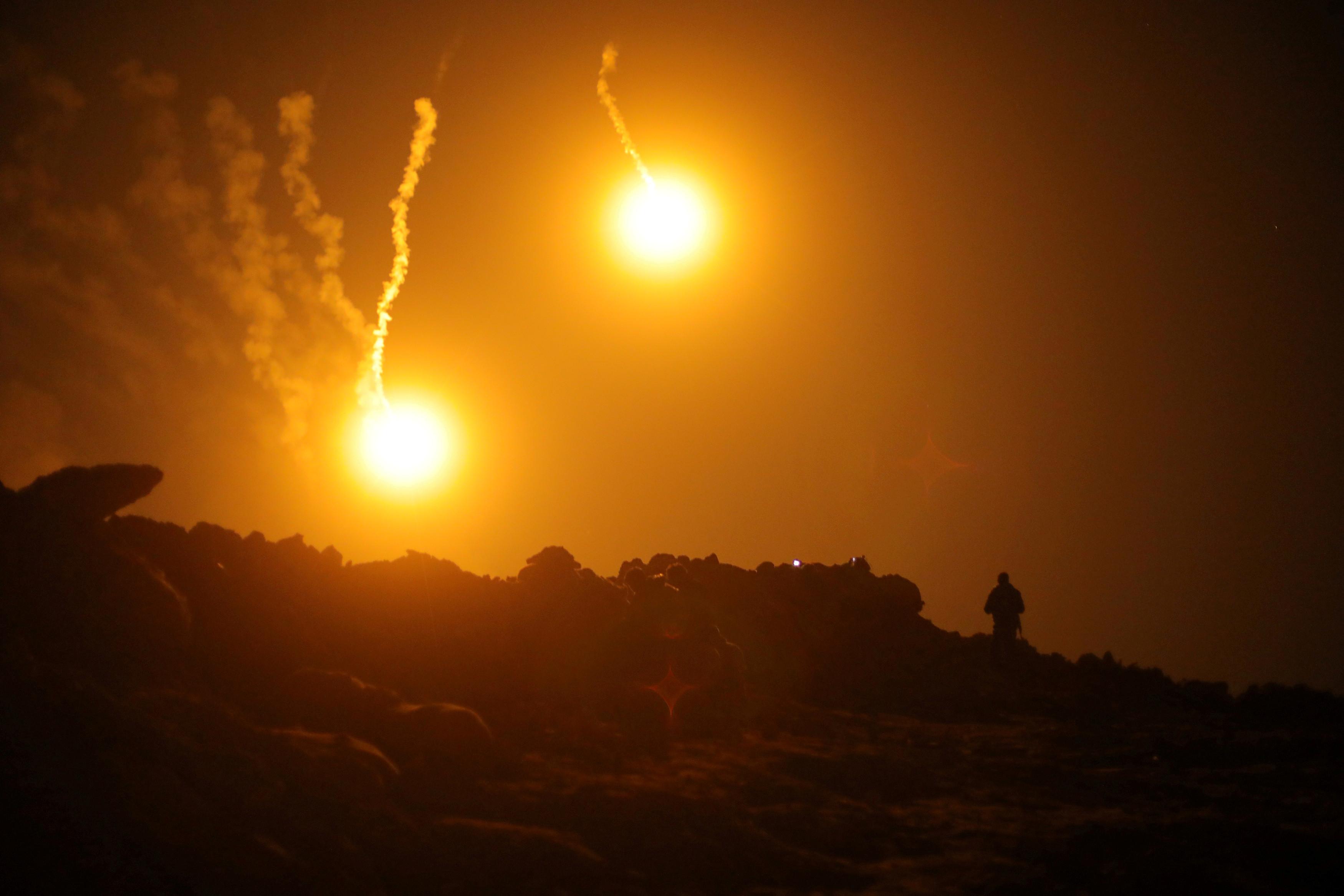 Três mil jihadistas renderam-se após bombardeamentos em Baghouz