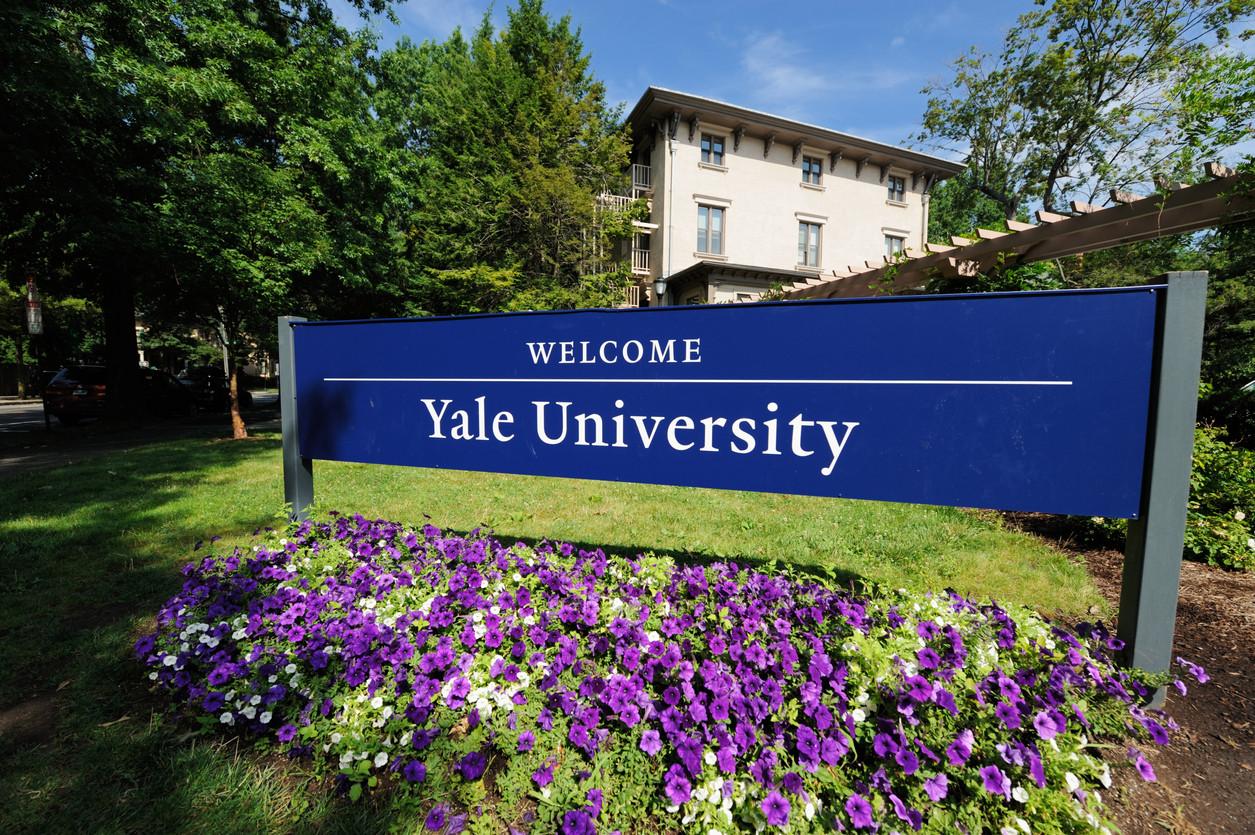 Yale anula matrícula de estudante cujos pais pagaram milhões pela 'cunha'