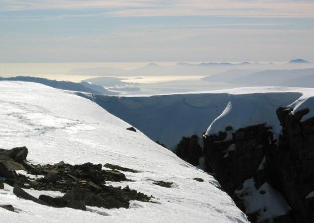 Vítimas de avalanche no Reino Unido eram de nacionalidade suíça