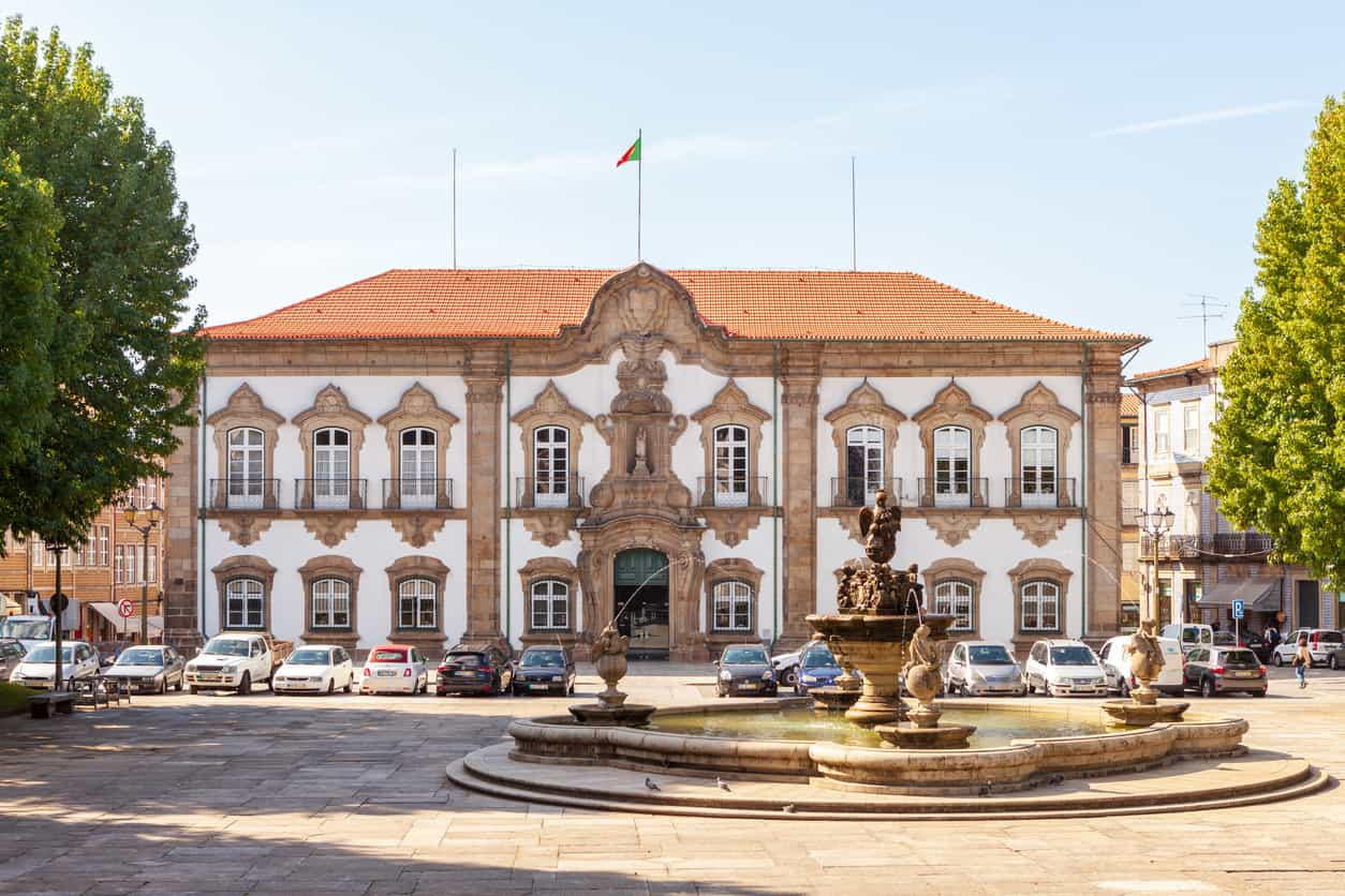 """Pulseiras eletrónicas na Câmara de Braga? """"A alguns trabalhadores punha"""""""