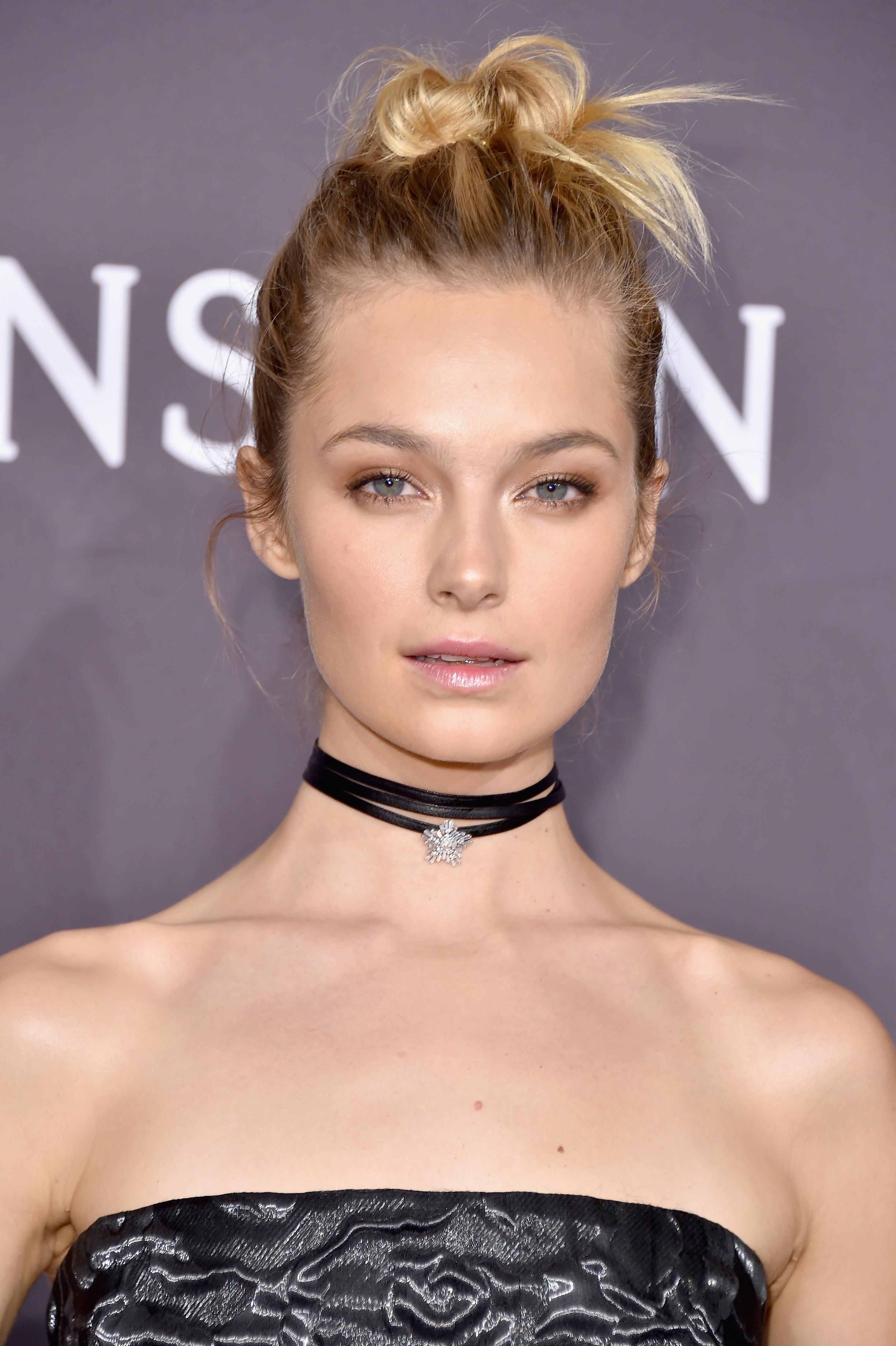 Modelo da Victoria's Secret admite ter sido coagida a posar nua