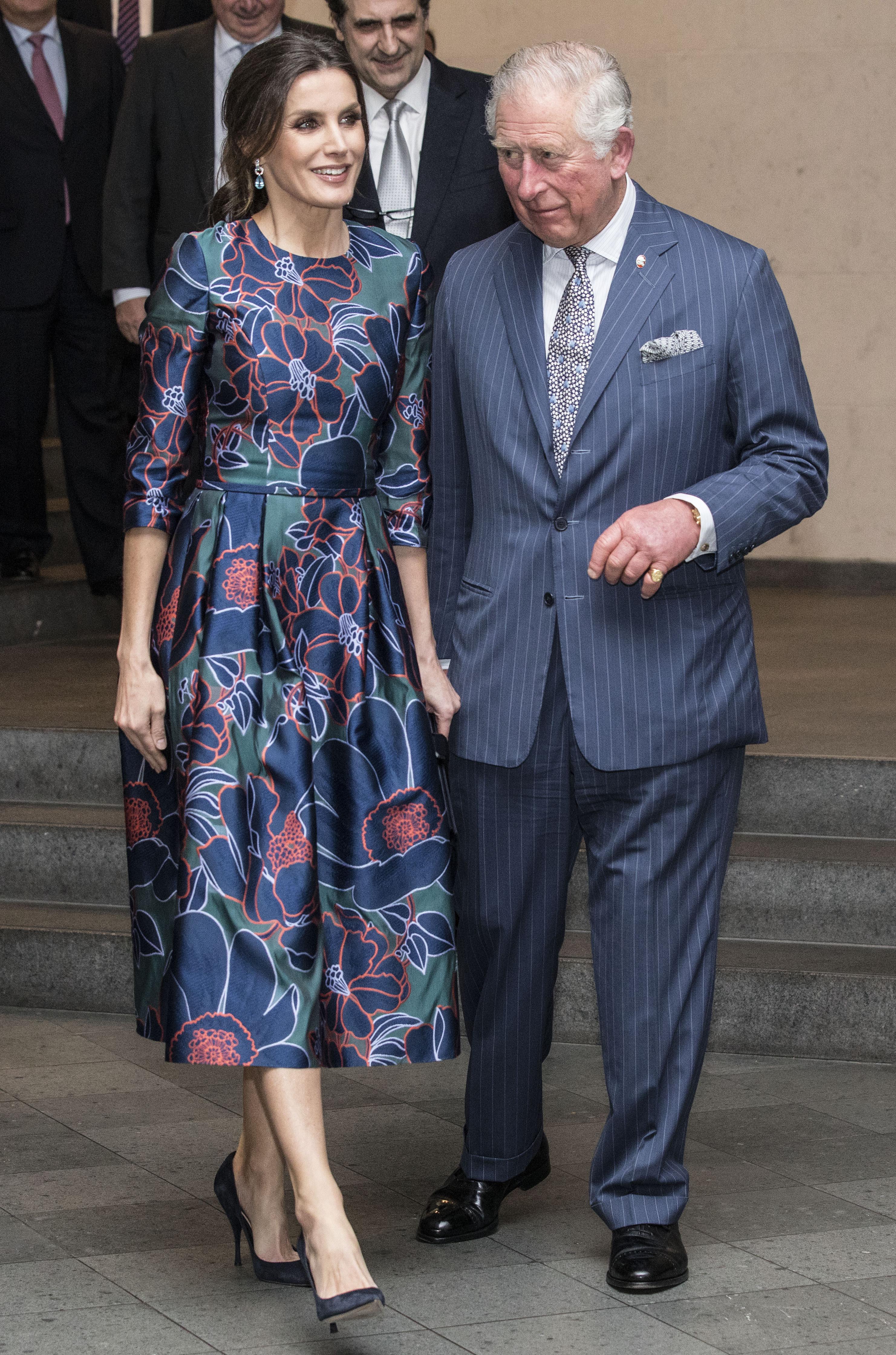 Depois de Kate Middleton, Letizia também dá nas vistas com vestido floral
