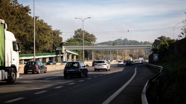 IC-19 ainda cortado no sentido Lisboa-Sintra quatro horas após despiste