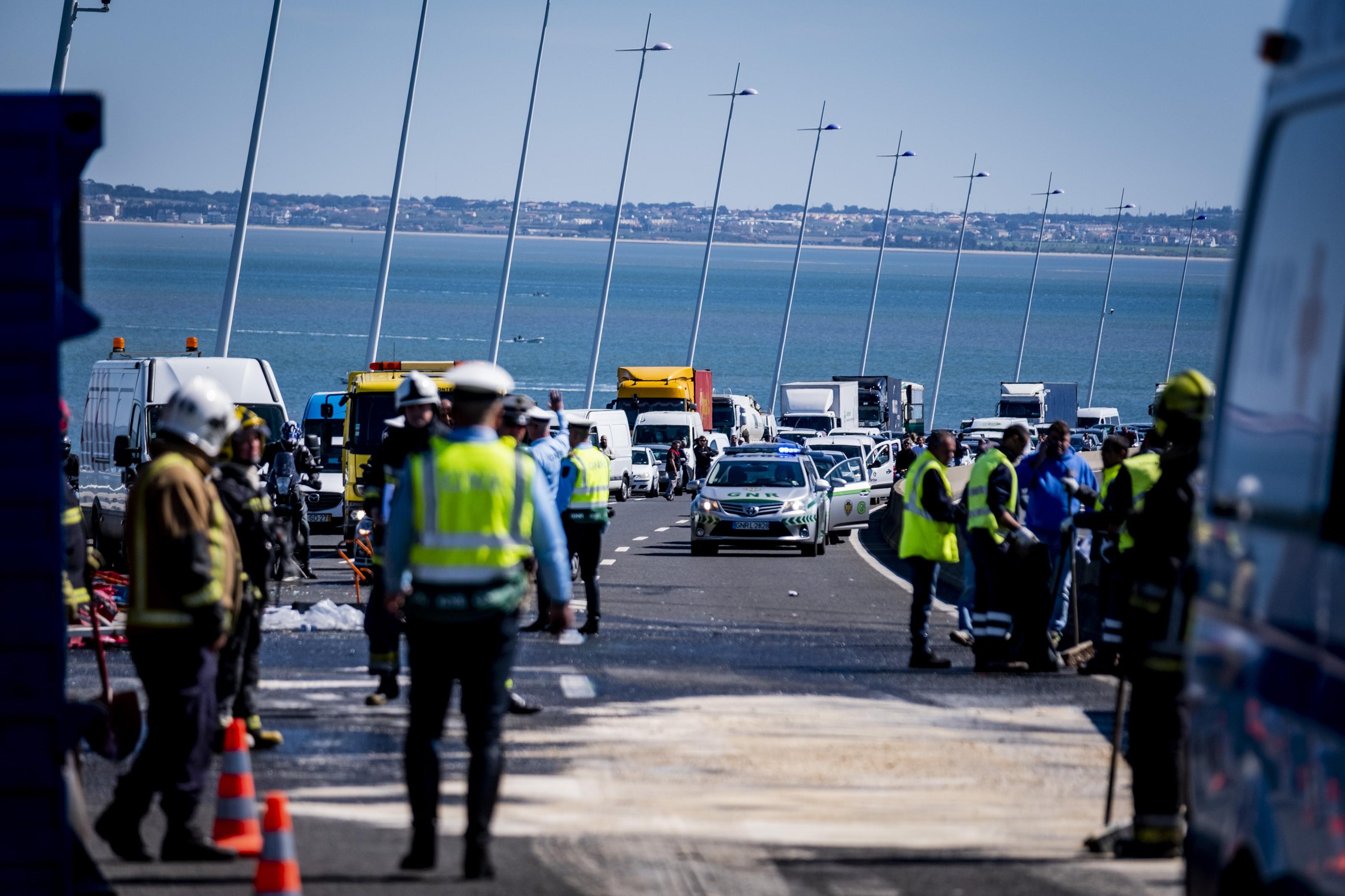 Ainda não há previsão de reabertura da Vasco da Gama em direção a Lisboa