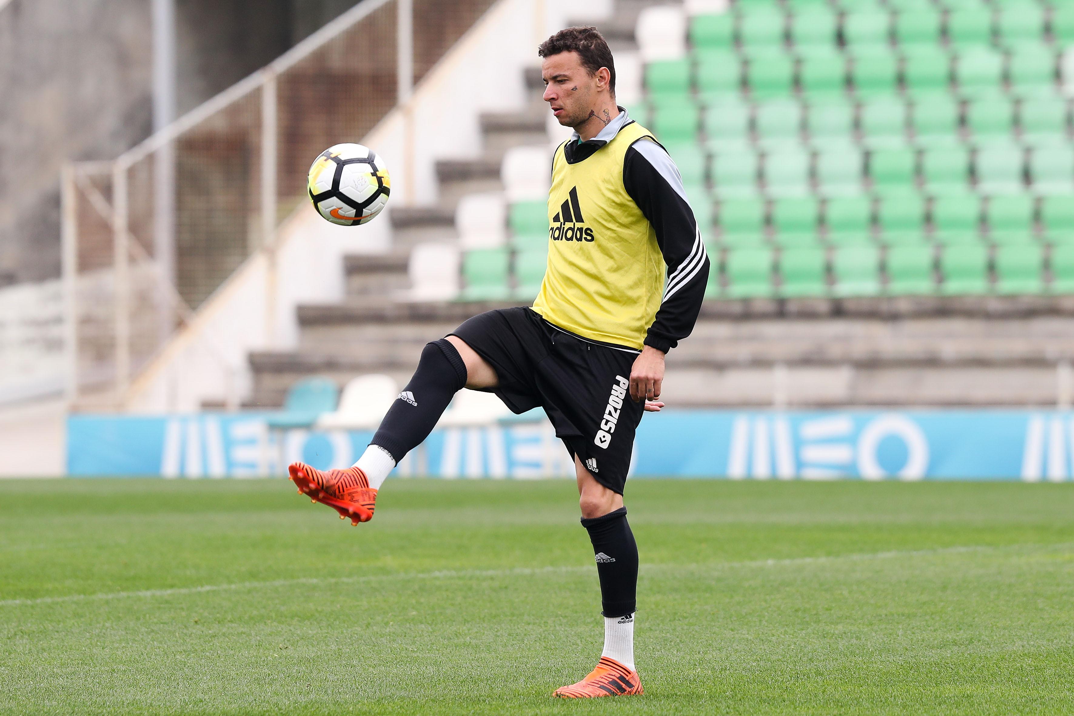 """""""César Boaventura tentou-me comprar antes do jogo com o Benfica"""""""