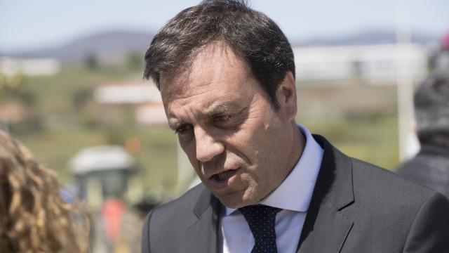 """""""Portugal está tão inclinado para o Litoral que qualquer dia se afoga"""""""