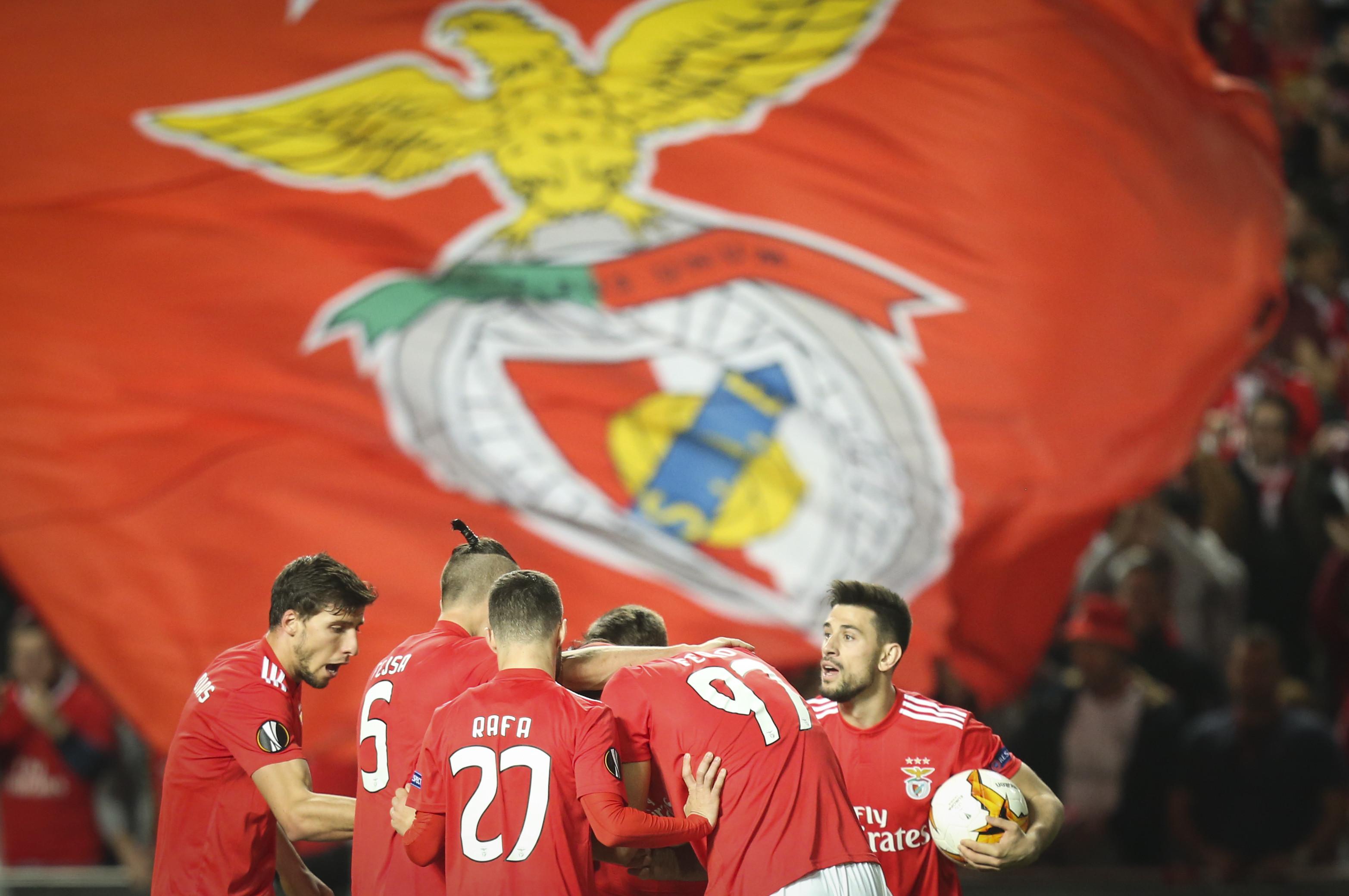 [3-0] Benfica-Dínamo: Grimaldo faz obra arte e deixa águia nos quartos