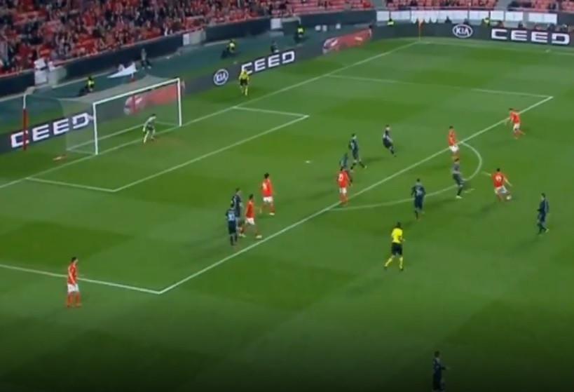 Golaço de Ferro no prolongamento deixa Benfica a um passo dos quartos