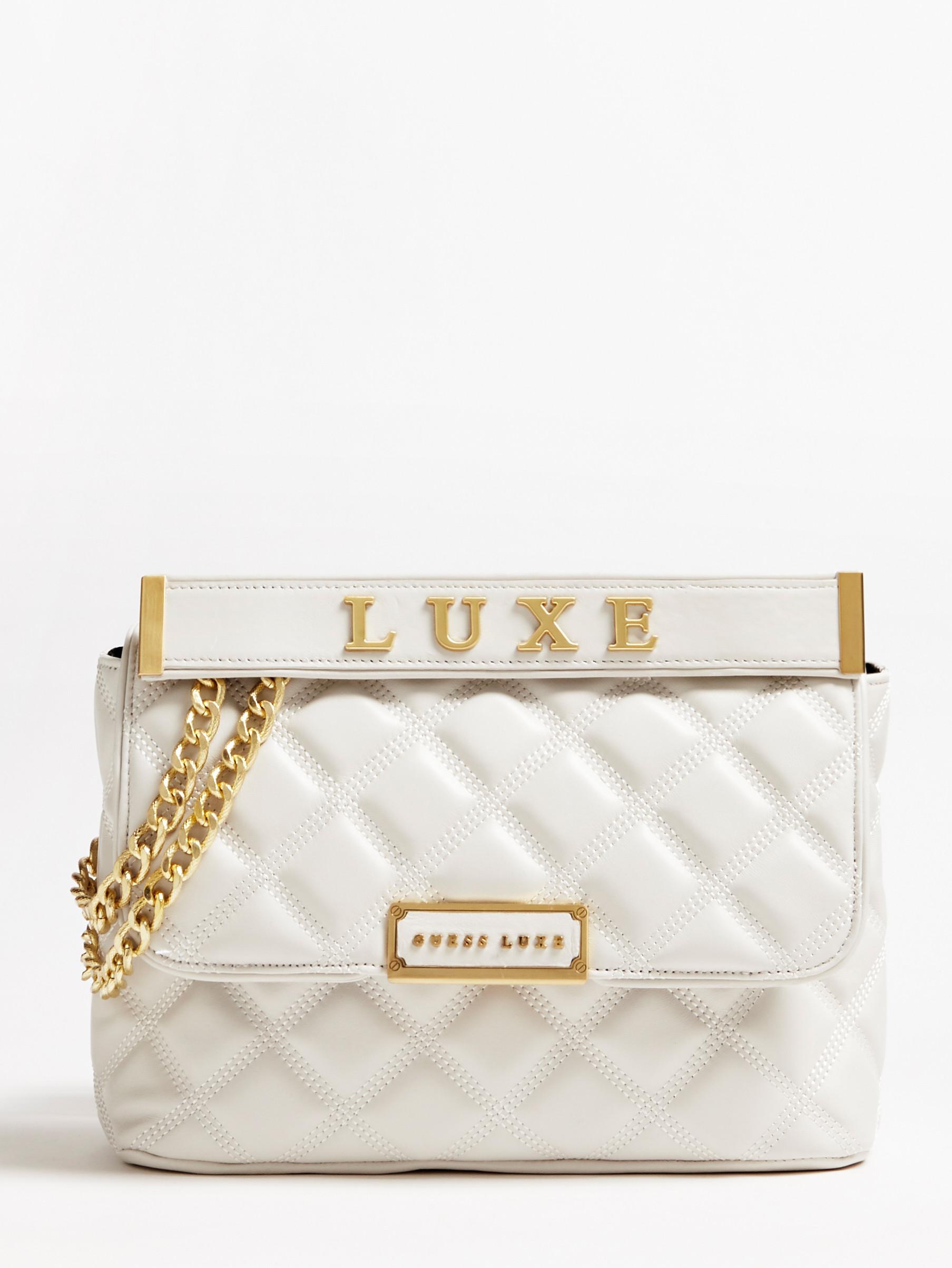 Cherie: Uma verdadeira afirmação de estilo da Guess Luxe