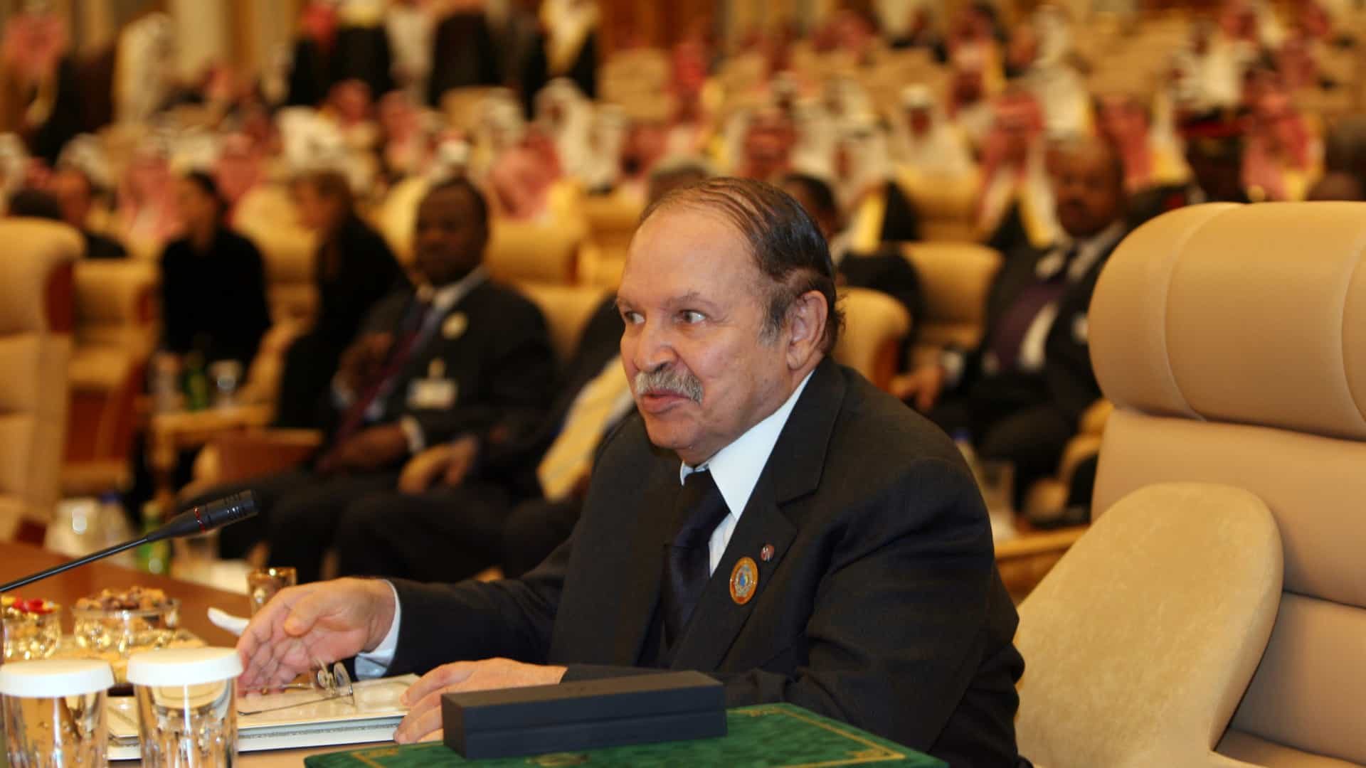 Morreu o ex-presidente da Argélia, Abdelaziz Bouteflika