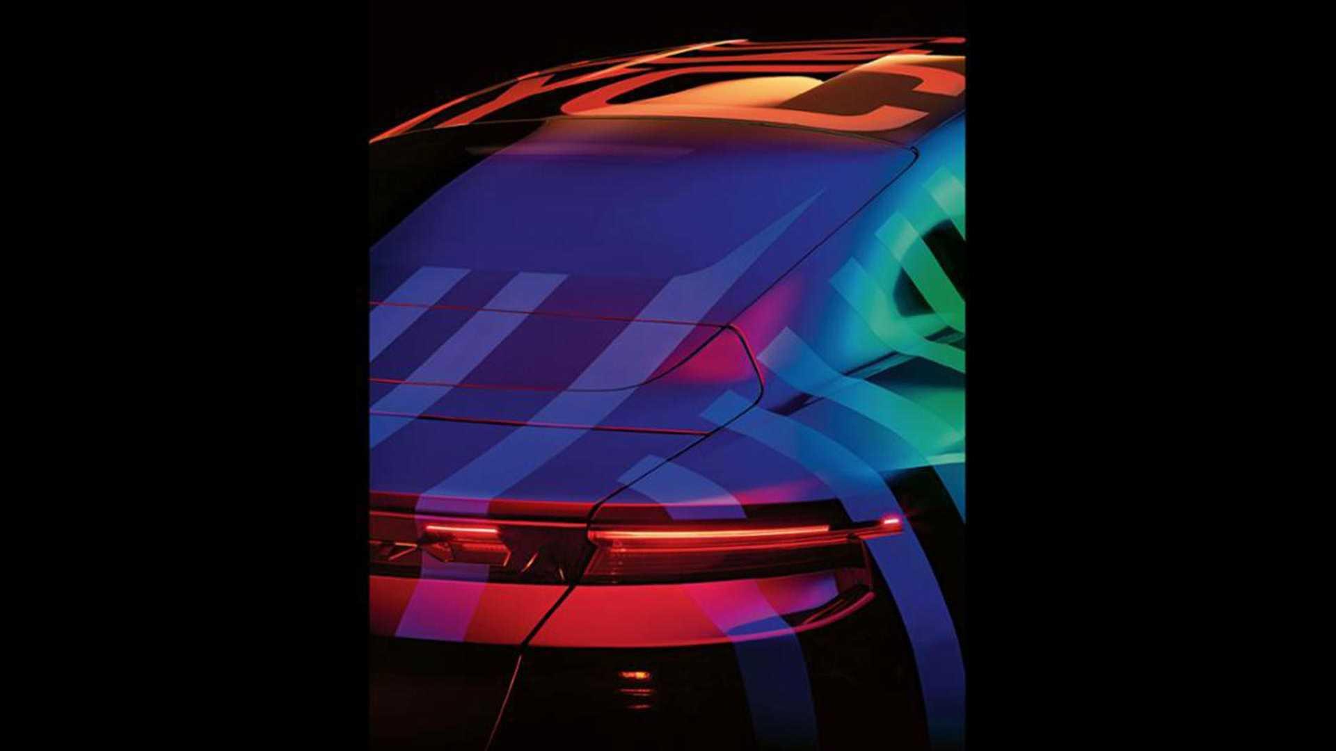 Porsche Taycan: Mexida na pintura dá vida ao novo sedan da marca
