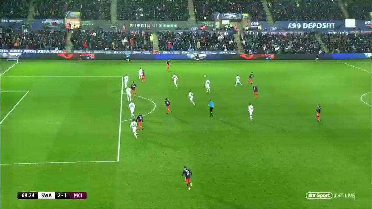 Bernardo Silva marca golaço de trivela e devolve esperança ao City